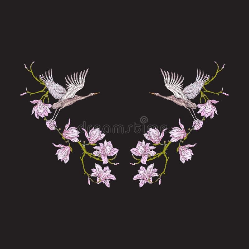 Escote del bordado con las flores y la grúa en fondo negro libre illustration