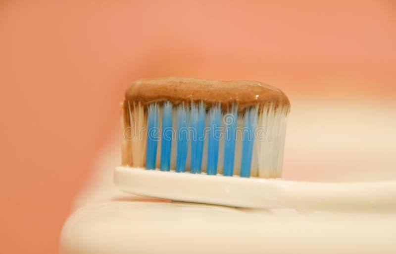 Escova de dentes e dentífrico fotos de stock royalty free