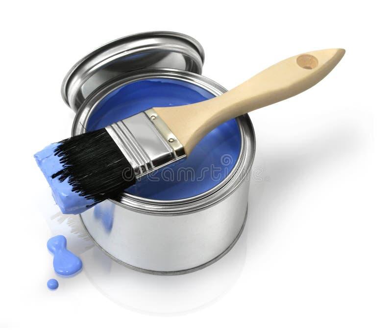 A escova de pintura e pode fotos de stock