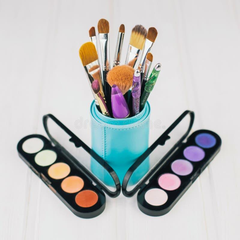 Escova e cosméticos da composição imagem de stock royalty free