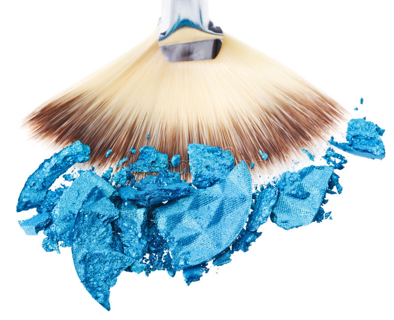 Escova larga da composição com sombra de olho esmagada azul fotos de stock royalty free