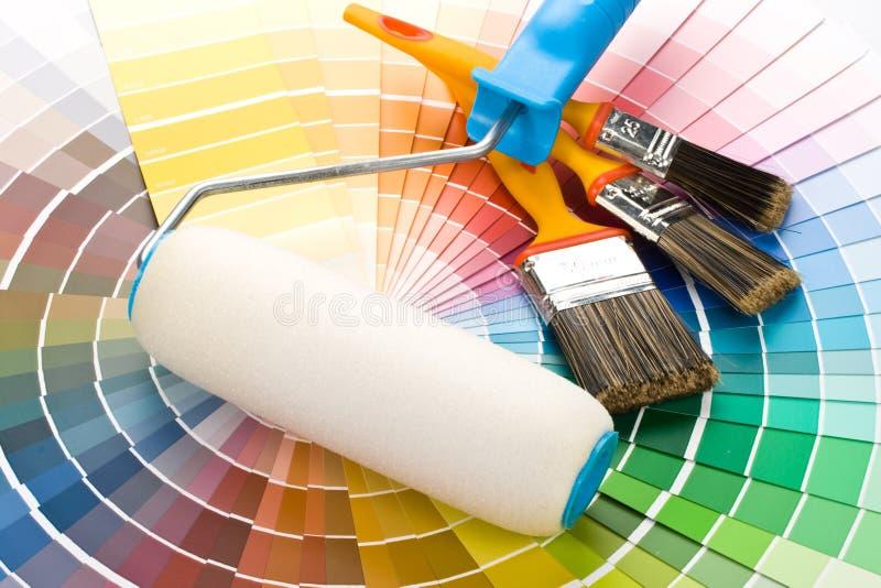Escovas e pintura-rolo imagem de stock royalty free