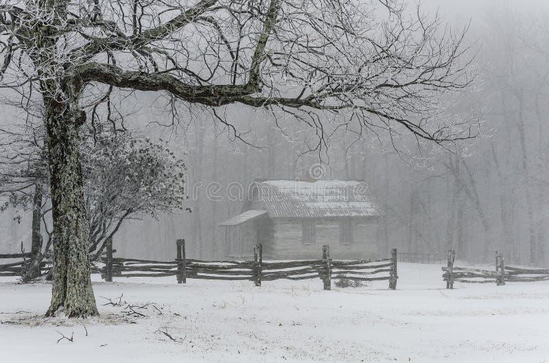 Escove a escola da montanha, inverno, parque nacional de Cumberland Gap imagens de stock