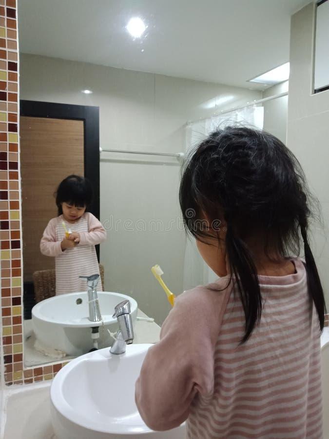 Escove seus dentes imagem de stock