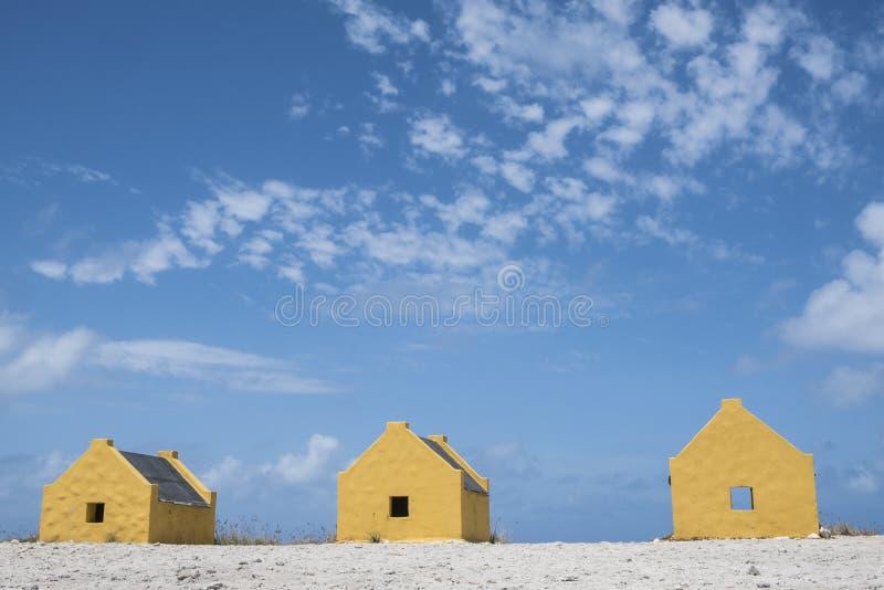 Escravo Huts da ilha de Bonaire nas Caraíbas imagens de stock