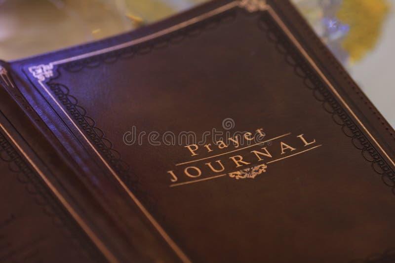 Escreva suas orações em um jornal foto de stock royalty free