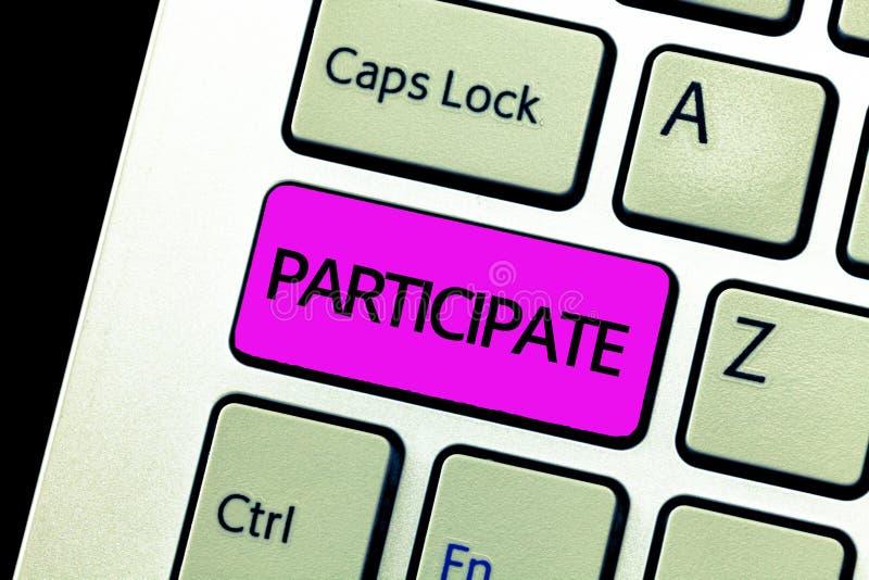 Escrevendo a exibição da nota participe Apresentar da foto do negócio participa dentro ou torna-se envolvido em um voluntário da  imagens de stock