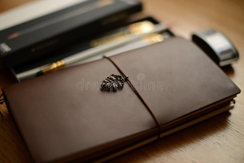 Escrevendo fontes e jornal