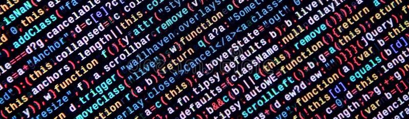 Escrevendo o código de programação no portátil Dados binários de Digitas no tela de computador ilustração do vetor