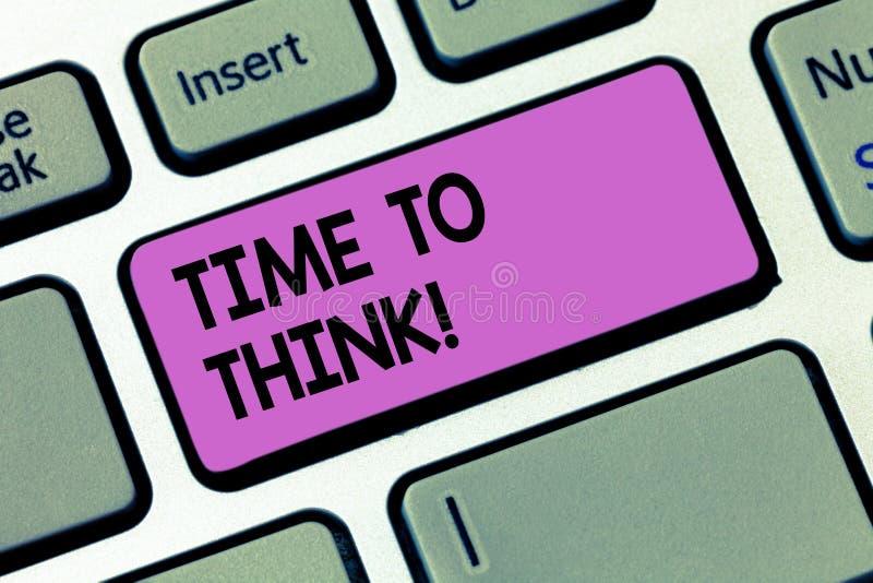 Escrevendo o showingTime da nota para pensar Apresentar da foto do negócio reconsidera o momento do tempo da reflexão de algumas  ilustração stock