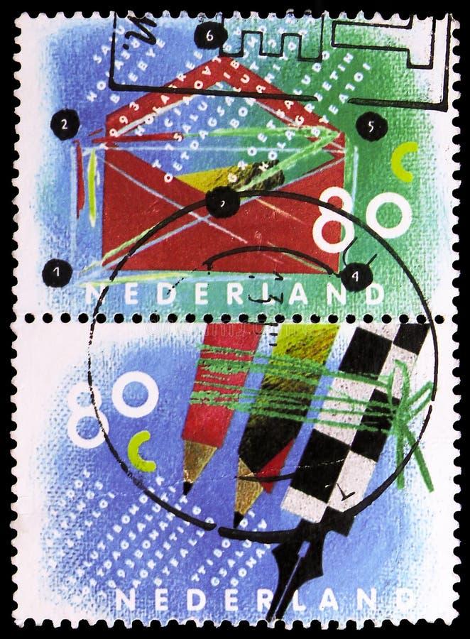Escribiendo el correo, diez para su serie de las letras, circa 1993 imágenes de archivo libres de regalías