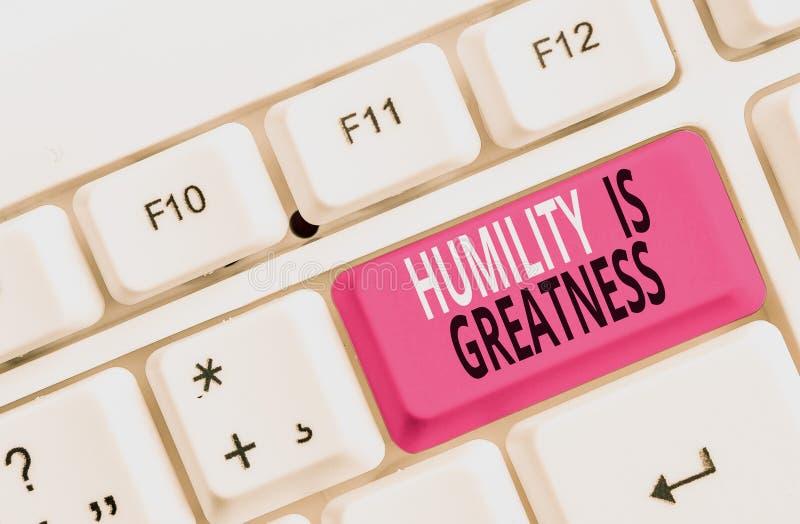 Escribir texto Humilitud es grandeza El concepto de negocios de ser humilde es una virtud no sentir un blanco excesivamente super fotografía de archivo
