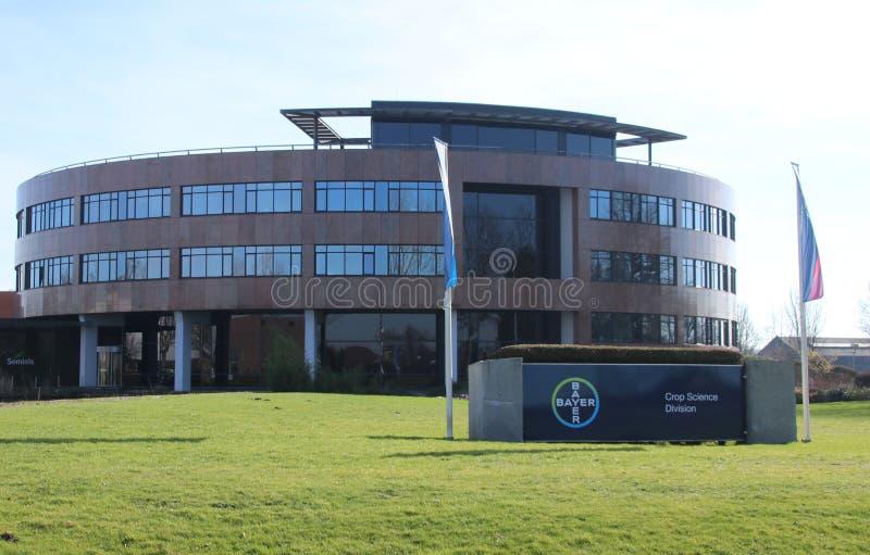Escritório da ciência da colheita de Bayer, conhecido anteriormente como Monsanto, em Bergschenhoek nos Países Baixos foto de stock royalty free