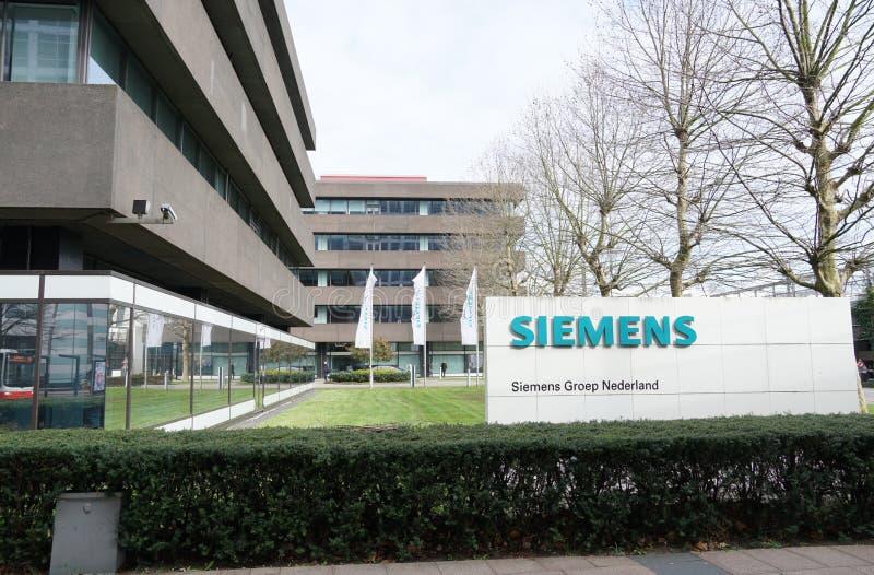 Escritório de Siemens em Haia, os Países Baixos fotos de stock