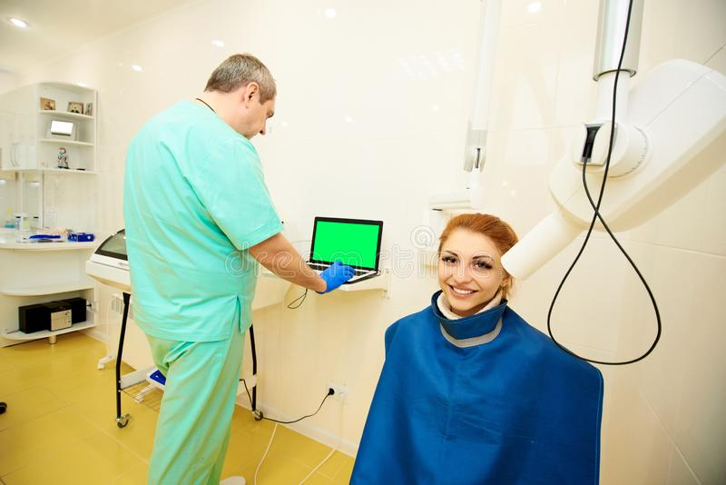 Escritório dental, odontologia, cuidados dentários, exame médico foto de stock royalty free