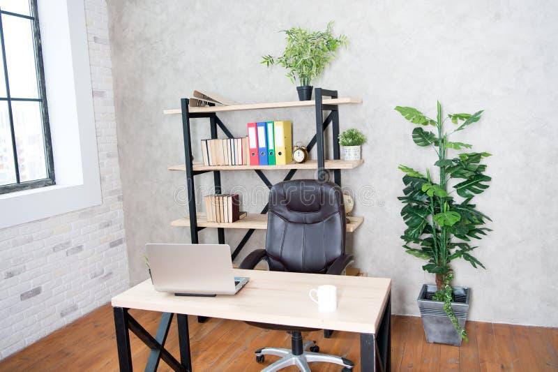 Escritório do chefe Interior do escritório moderno vazio Negócio e local de trabalho Interior limpo de uma empresa incorporada Es foto de stock