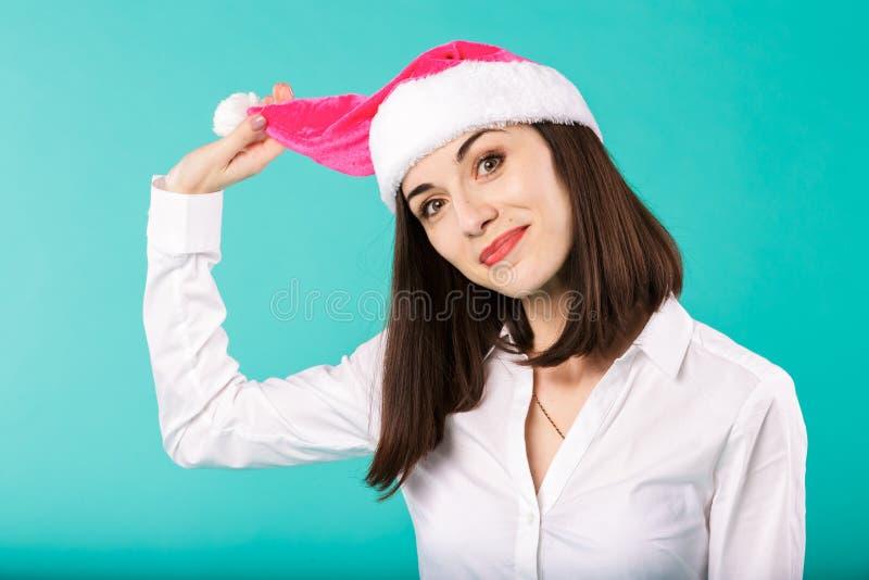 Escritório dos feriados de inverno do Natal do tema do ano novo de empregados da empresa do homem de negócios caucasiano novo da  imagens de stock royalty free