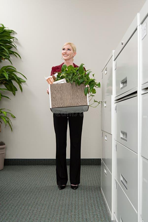Escritório movente da mulher imagens de stock royalty free