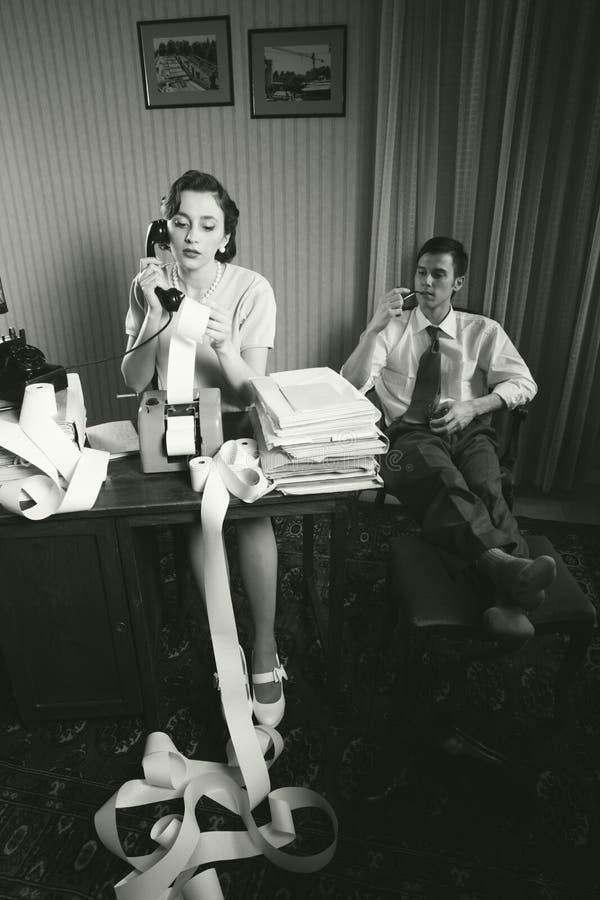 Escritório retro do vintage da mulher do secretário do contador imagens de stock royalty free