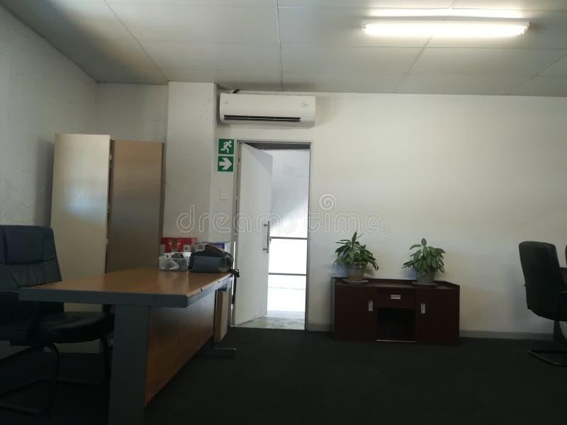Escritório vago ou o espaço de escritórios abandonado sem os povos [5] fotografia de stock