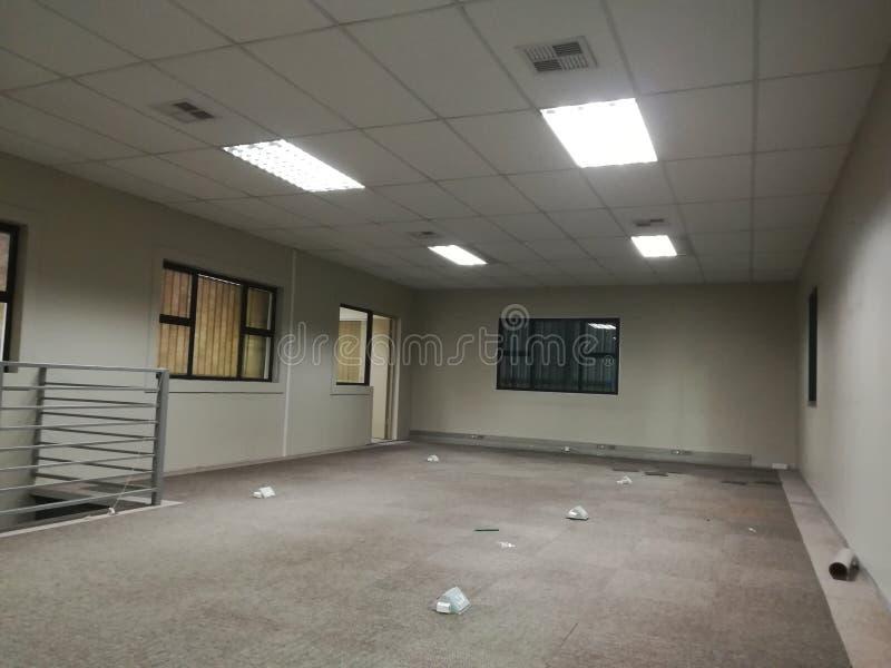 Escritório vago ou o espaço de escritórios abandonado sem os povos [3] fotografia de stock