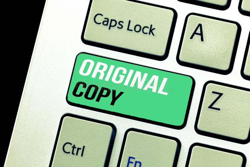 Escrita conceptual da mão que mostra a cópia original Lista principal patenteada marcada Unprinted do roteiro principal do texto  fotos de stock royalty free