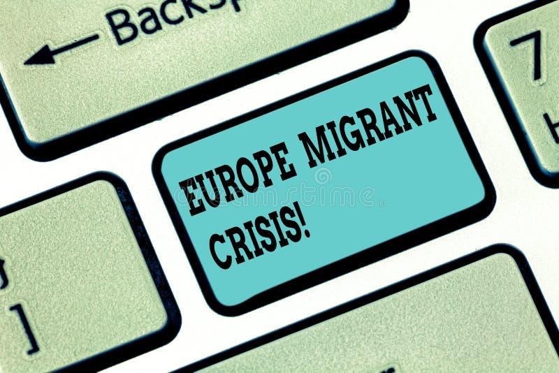 Escrita conceptual da mão que mostra a Europa a crise emigrante Crise europeia do refugiado do texto da foto do negócio de um per imagens de stock