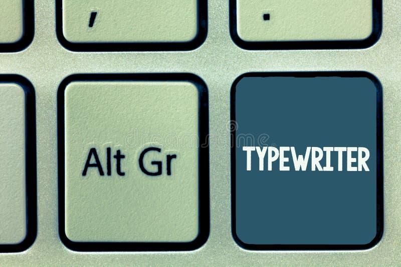 Escrita conceptual da mão que mostra a máquina de escrever Foto do negócio que apresenta a máquina analysisual eletrônica elétric imagem de stock royalty free