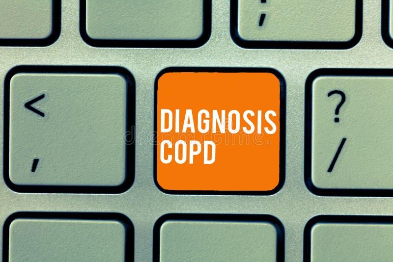 Escrita conceptual da mão que mostra o diagnóstico Copd Obstrução do texto da foto do negócio do fluxo de ar do pulmão que impede fotos de stock royalty free