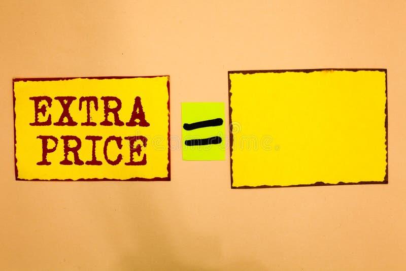 Escrita conceptual da mão que mostra o preço extra Foto do negócio que apresenta a definição do preço extra além do grande grau o ilustração stock