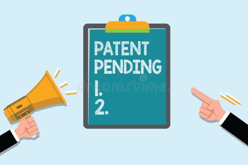Escrita conceptual da mão que mostra a patente pendente Pedido do texto da foto do negócio já arquivado mas concedido não ainda a ilustração royalty free