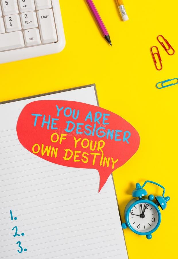 Escrita manual conceitual mostrando que você é o designer do seu próprio destino Exibição de fotos de negócios Embrace life Make imagem de stock