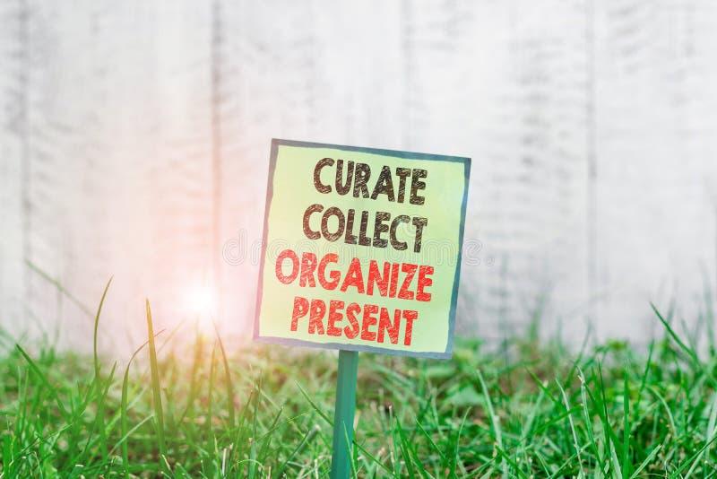 Escrita manual conceptual mostrando Curate Collect Organize Presente Demonstração de fotos de negócios Removendo Organização fotos de stock