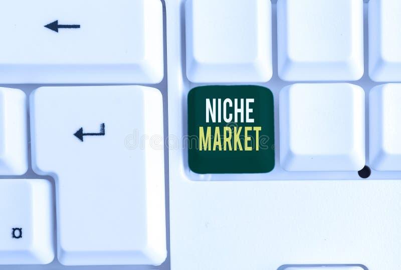 Escrita manual conceptual mostrando Niche Market Apresentação de fotos da empresa Subconjunto do mercado em que produto específic fotografia de stock royalty free