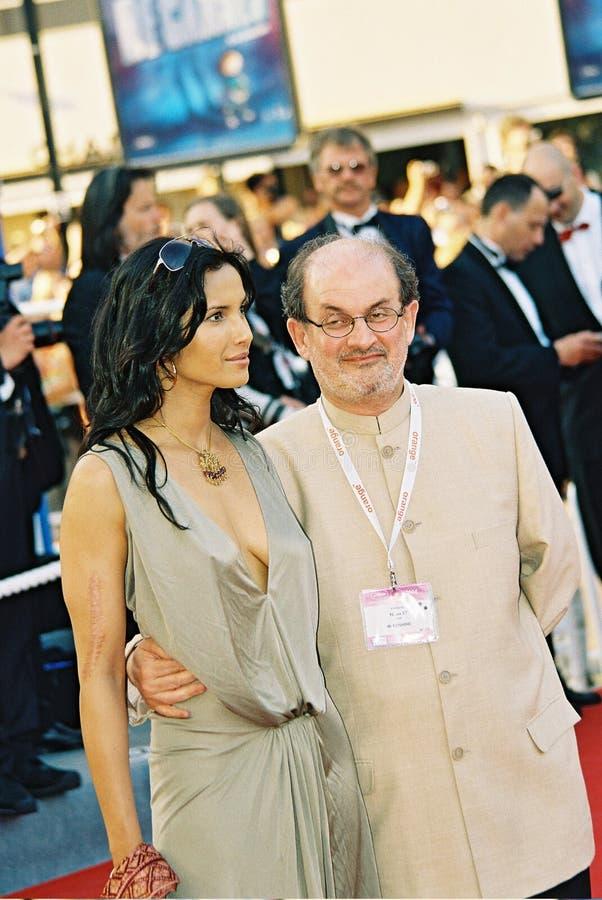 Escritor Anglo-Indiano Salman Rushdie foto de stock
