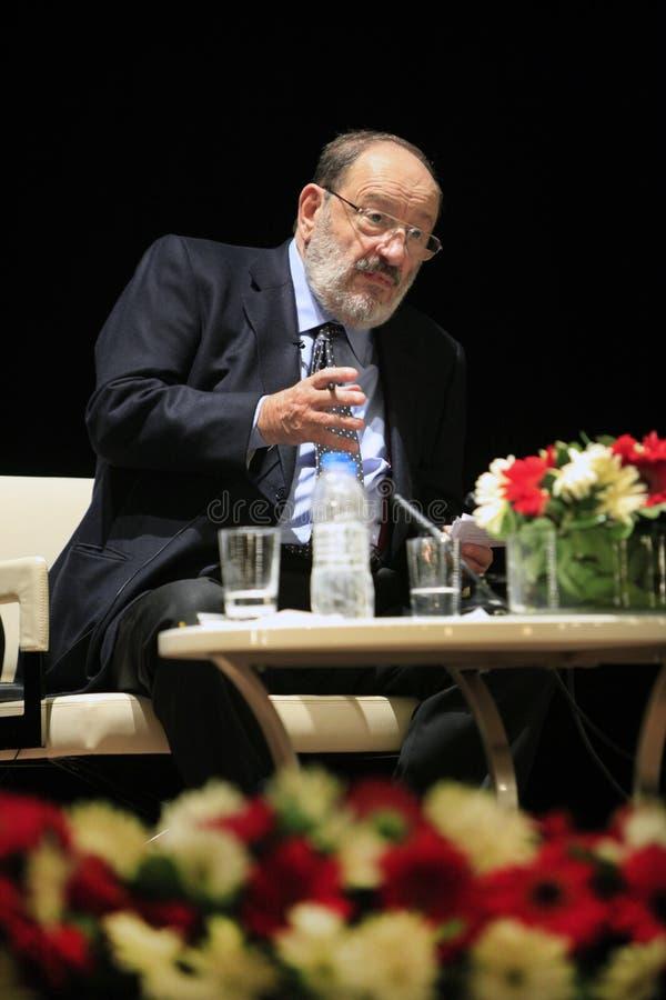 Escritor italiano Umberto Eco em Istambul, Turquia imagem de stock