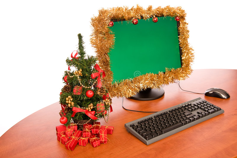 Escritorio de oficina con la decoración de la Navidad fotos de archivo libres de regalías