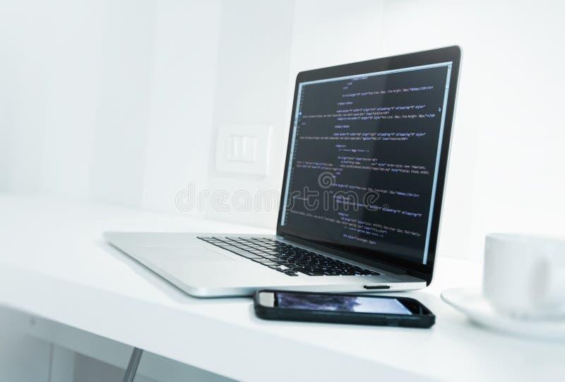 Escritorio del desarrollador de aplicación web imagen de archivo libre de regalías