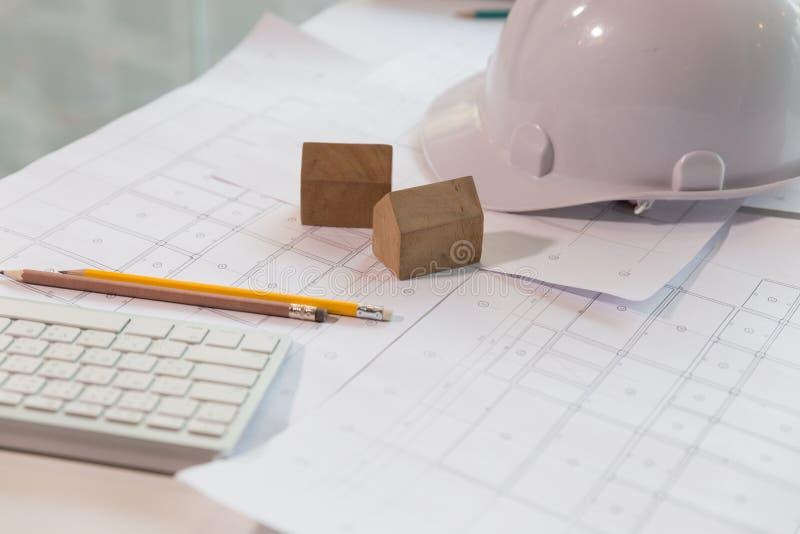 Escritorio del ingeniero estructural y del arquitecto con for Escritorio arquitecto