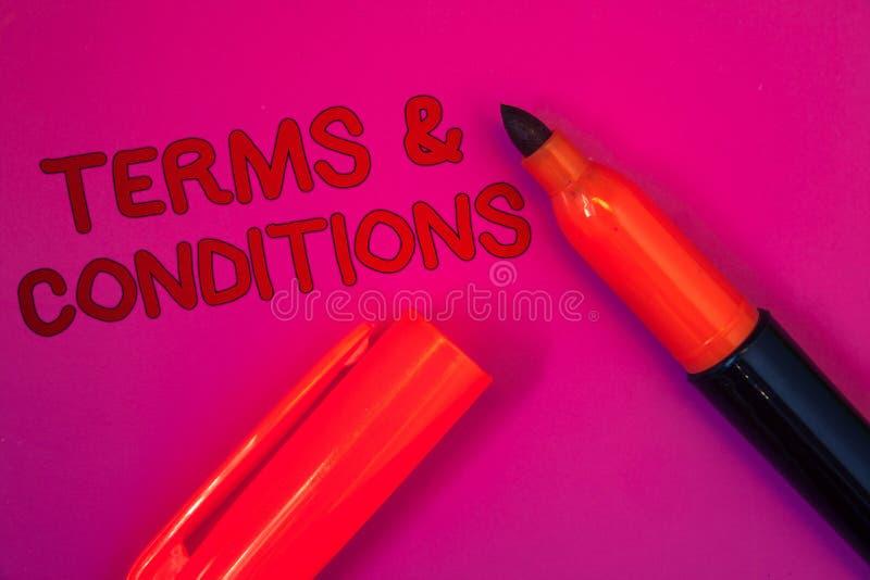 Escritura conceptual de la mano que muestra condiciones Acuerdo legal de las restricciones de la negación del acuerdo de la ley d imagen de archivo