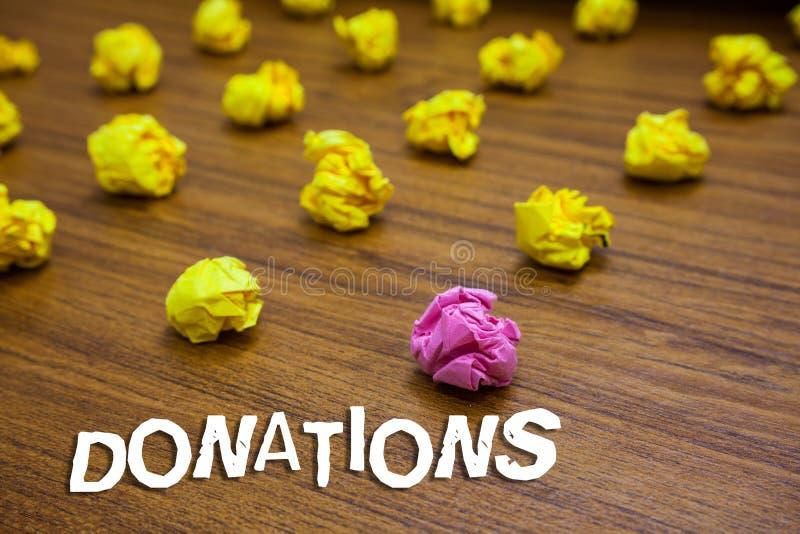 Escritura conceptual de la mano que muestra donaciones Foto del negocio que muestra algo que se da a la suma de la caridad especi foto de archivo libre de regalías