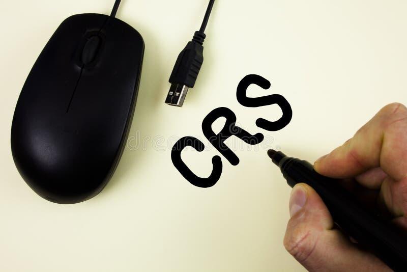 Escritura conceptual de la mano que muestra el CRS Foto del negocio que muestra el estándar común de la información para comparti imagenes de archivo