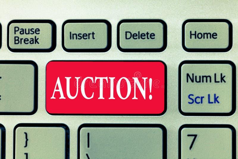 Escritura de la subasta de la demostración de la nota Foto del negocio que muestra mercancías de la venta pública o propiedad ven imagen de archivo libre de regalías