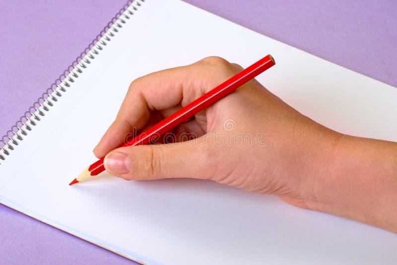 Download Escritura de un mensaje foto de archivo. Imagen de crédito - 1289504