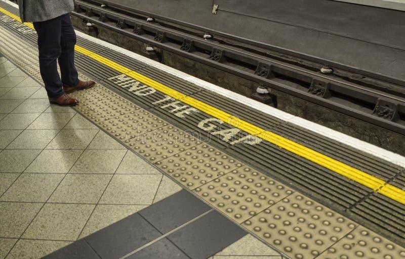 Escritura del metro de Londres fotos de archivo