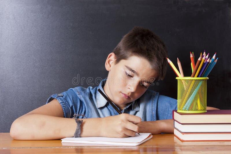 Escritura del niño imágenes de archivo libres de regalías