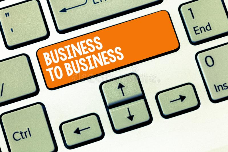 Escritura del texto de la escritura interempresarial Concepto que significa la transacción comercial entre dos negocios imagenes de archivo