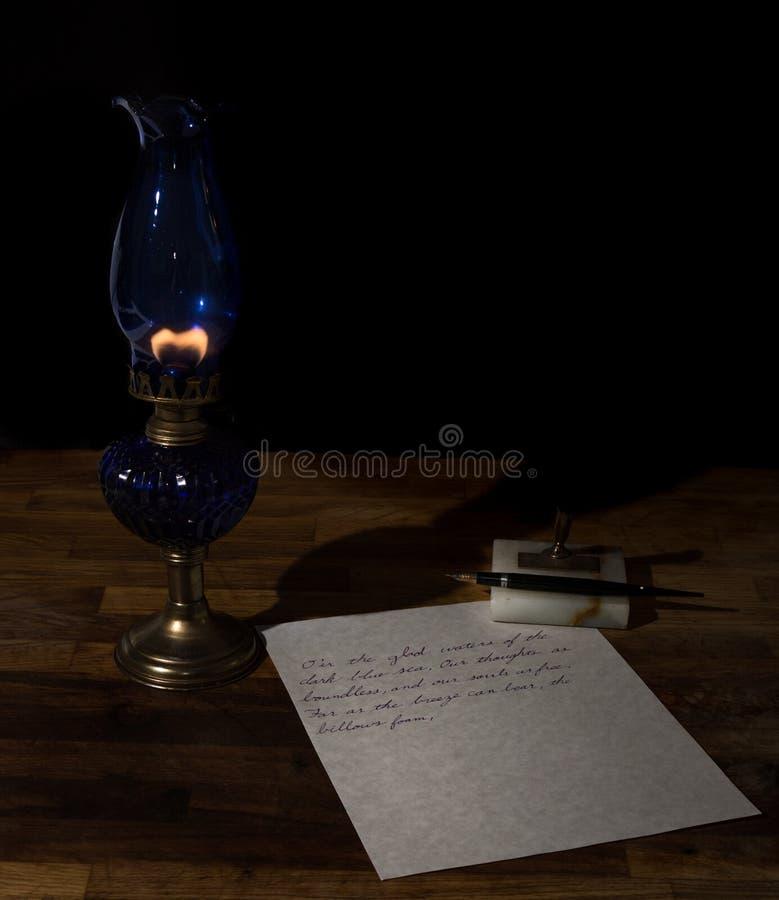 Escritura en la noche foto de archivo
