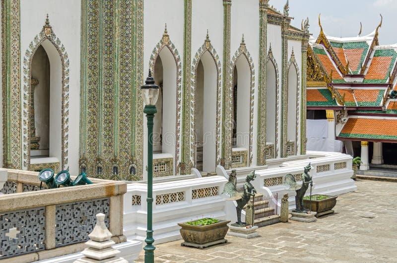 Escritura Hall Phra Mondop en un templo budista Wat Pho complejo en Bangkok foto de archivo libre de regalías