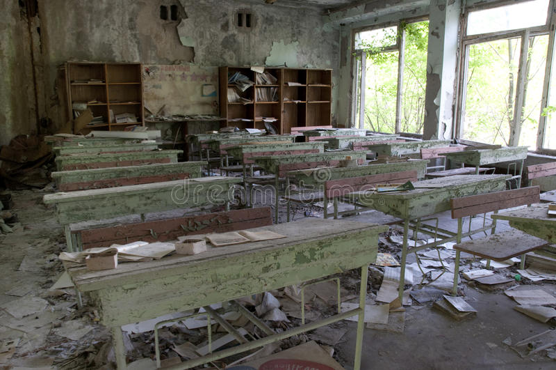 Escuela abandonada foto de archivo